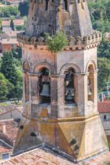 Glockenturm der Dorfkirche Saint-Saturnin-les-Apt