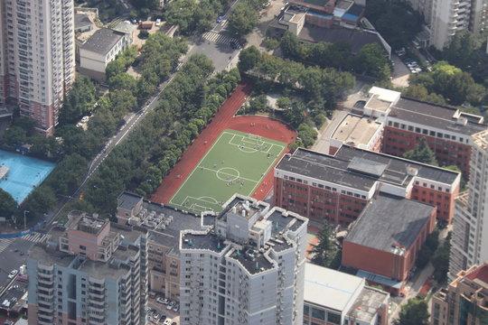 Stade de foot d'une zone résidentielle à Shanghai, Chine