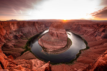 Fototapeten Kastanienbraun Horshoe bend and direct sunset