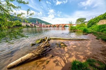 Alte Brücke Heidelberg mit Sandstrand