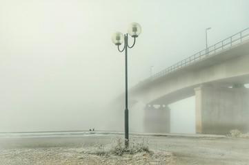 Fotomurales - Street Light And Bridge In Foggy Weather