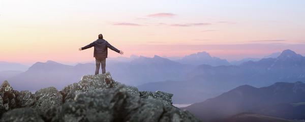 Foto auf Gartenposter Rosa hell Bergsteiger - Freiheit - Gipfel