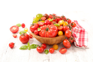 assorted of different variety of tomatoes