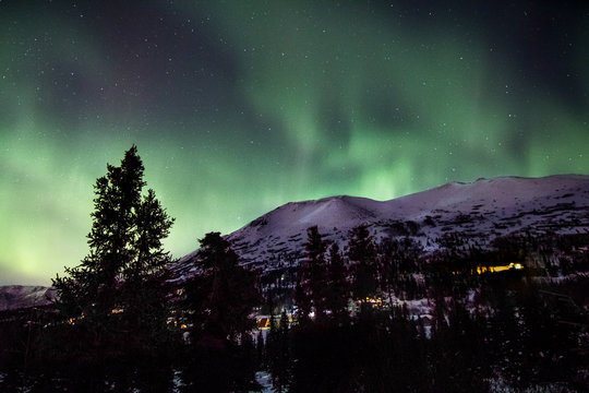 northern lights in the mountains of Alaska
