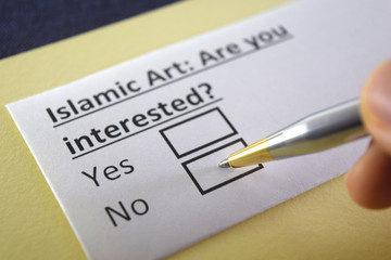 One person is answering question about islamic art.