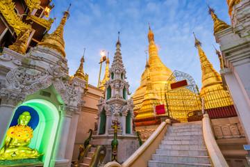 Fototapete - Shwedagon Pagoda in Yangon, Myanmar