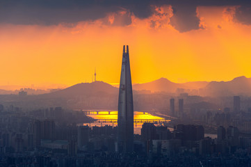Fototapete - Beautiful cityscape and sunset at Seoul in South Korea.