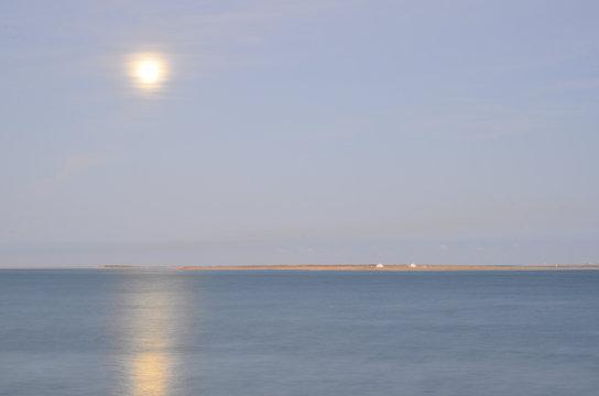 Pleine lune sur le banc d'Arguin