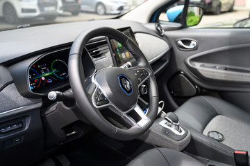 Renault ZOE steering wheel with control buttons