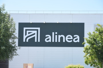 signboard alinea specialist of decortion and furniture in france
