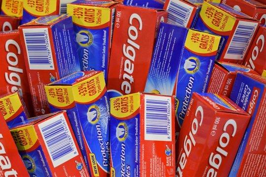 Dentífrico Colgate, marca de pasta de dientes.