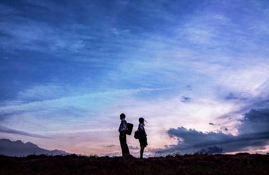 空色に染まる2人。