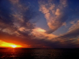 Scenic Seascape With Dramatic Sky At Sunset - fototapety na wymiar