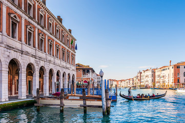 Foto auf Gartenposter Gondeln gondola on the Grand Canal and quays of Venice in Veneto, Italy