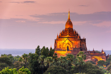 Fototapete - Bagan, Myanmar temples in the Archaeological Zone