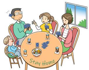 トランプする家族