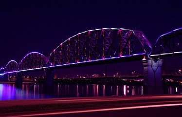 Fotomurales - Light Trails By Big Four Bridge Over Ohio River At Night