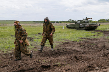 Servicemen of the self-proclaimed Donetsk People's Republic (DNR) attend military exercises at a target range outside the town of Horlivka (Gorlivka)