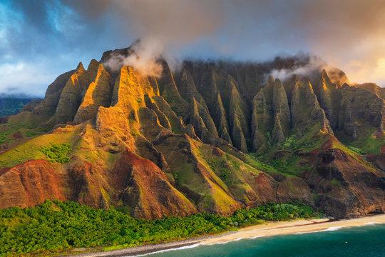 Pali sea cliffs on the Kalaulau trail, Napali Coast State Park, Kauai Island, Hawaii, United States of America, North America