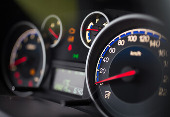 Poster Pays d Asie Speedometer on car dashboard