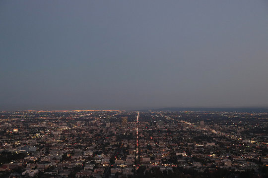 Panorama view of the streets of los angeles from above at dusk