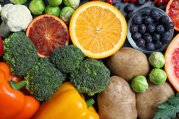 Stores photo Pays d Asie Different products rich in vitamin C on table, top view