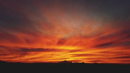 Foto auf Gartenposter Ziegel Silhouette Landscape At Sunset