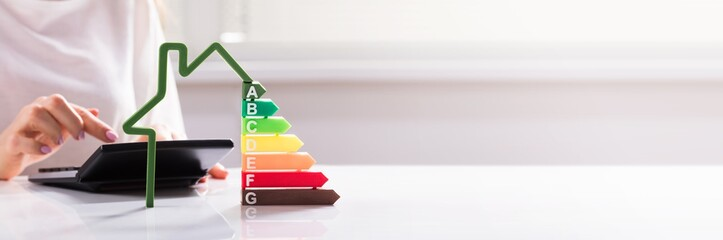 Papiers peints Echelle de hauteur Close-up Of A House Showing Energy Efficiency Rate