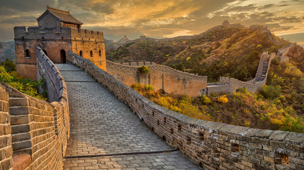 Foto auf Acrylglas Chinesische Mauer Beautiful sunset at the Great Wall of China
