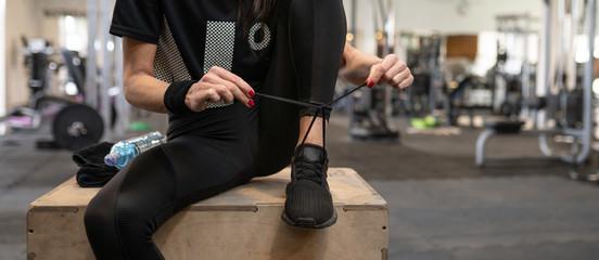 Obraz Gotowy do treningu na siłowni i zajęć fitness - fototapety do salonu