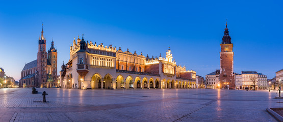 Obraz Krakow, Poland, main square night panorama with Cloth Hall and St Mary's church - fototapety do salonu