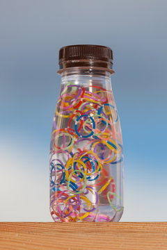 Sensory bottles, of a very positive educational material for the development and evolution of the child