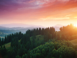 壁紙(ウォールミューラル) - Picturesque sunset in the alpine highlands. Location place Carpathian mountains, Ukraine, Europe.