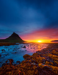 Wall Mural - Great sunset over the Atlantic ocean. Location place Kirkjufell volcano the coast of Snaefellsnes peninsula, Iceland, Europe.