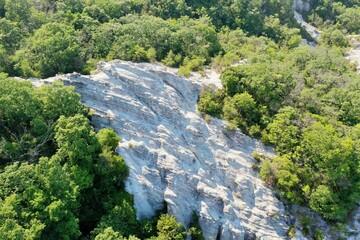 Photo sur Aluminium Rivière de la forêt waterfall in the mountains