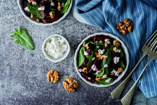 Spinach beet goat cheese walnuts salad