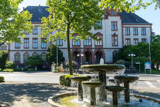 Schalenbrunnen vor dem Rathaus der Stadt Hamm, Nordrhein-Westfalen