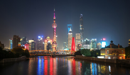 Fotomurales - Shanghai skyline and Waibaidu bridge, China
