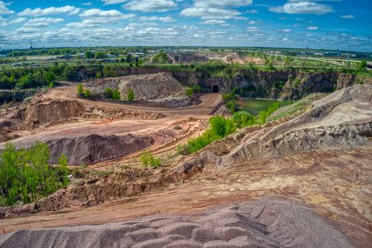 Sioux Quartzite Quarry supplies building materials for South Dakota region
