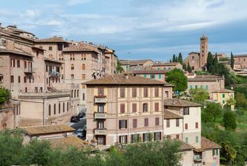 Fototapete - Idyllic landscape of historical city Siena, Tuscany, Italy