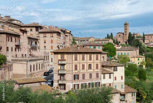 Fototapete Idyllic landscape of historical city Siena, Tuscany, Italy