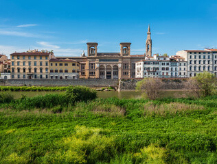 Fototapete - FLORENCE, ITALY - MAY 10, 2014: National Central Library (Biblioteca Nazionale Centrale di Firenze) and the Pazzi Chapel (Cappella dei Pazzi) in Florence, Tuscany, Italy.