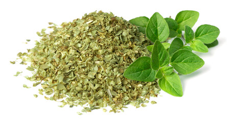 Fototapeta dried oreagon flakes with fresh oregano leaves isolated on white background obraz