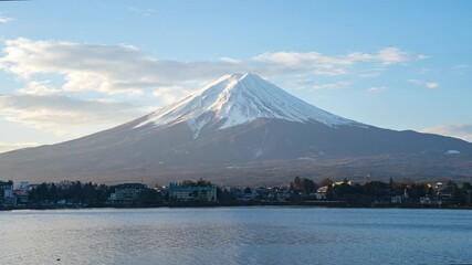 Wall Mural - Time lapse of Mount Fuji with Lake Kawaguchiko in Japan