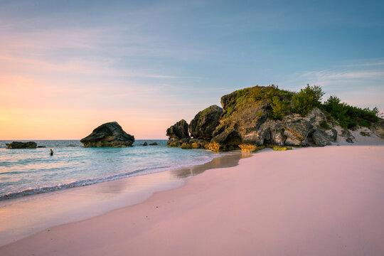Sunrise at Horseshoe Bay beach in Bermuda