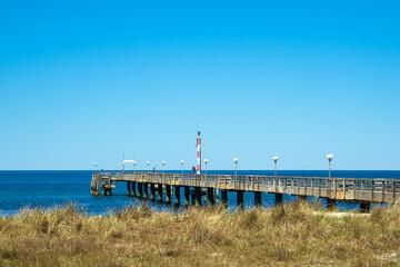 Wall Mural - Seebrücke an der Ostseeküste in Wustrow auf dem Fischland-Darß