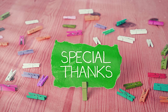 Writing note showing Special Thanks. Business concept for appreciating something or someone in a most unique way