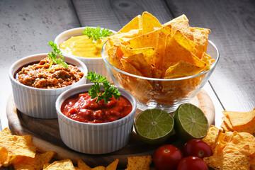 Autocollant pour porte Fleur Composition with bowl of tortilla chips.