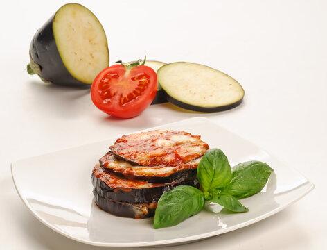 Parmigiana di melanzane, ricetta italiana, fuoco selettivo