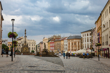 Papiers peints Europe de l Est The 18th-century Holy Trinity Column in the tourist downtown of Olomouc, city in the eastern province of Moravia in the Czech Republic.